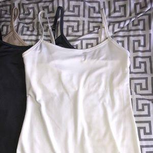 NY & Co Camisole w built-in bra XS